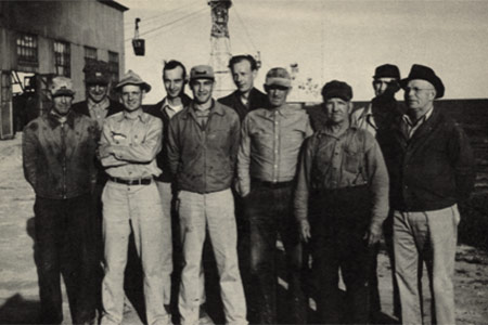 Old photograph of group of people